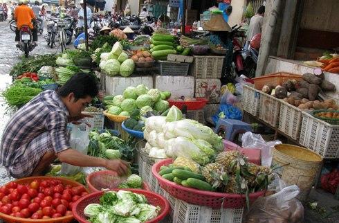 Giá thực phẩm tăng cao ngày Tết